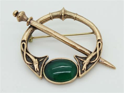 bronze celtic brooch pin with green onyx kilt pin two dogs sword viking ebay