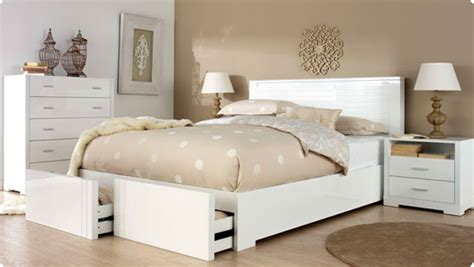 White Furniture by The Basics Of Using White Bedroom Furniture Interior
