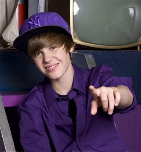 what is justin bieber favorite color fanpop tonimontana s photo justin bieber in purple my