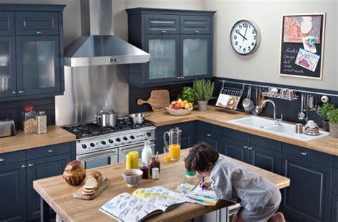 comment r駭 une cuisine rustique relooker une cuisine rustique darty vous