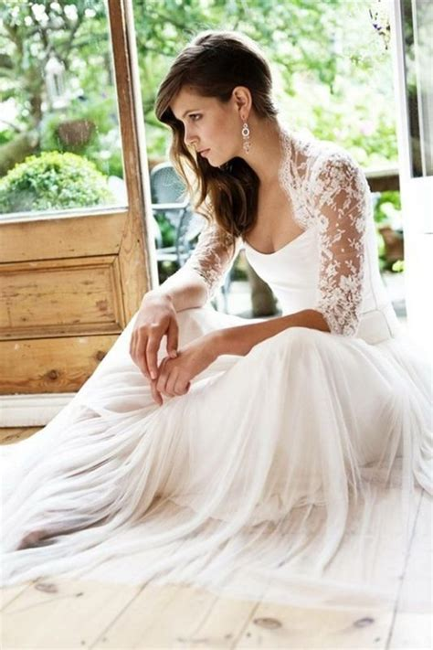 Calling All Bridesmaids Can You Beat This Dress by Help Calling All Flowy Wedding Dresses With Lots