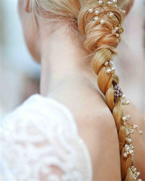 2014 martha stewart wedding hair crowns wedding hairstyles for bows buds tiaras and more from