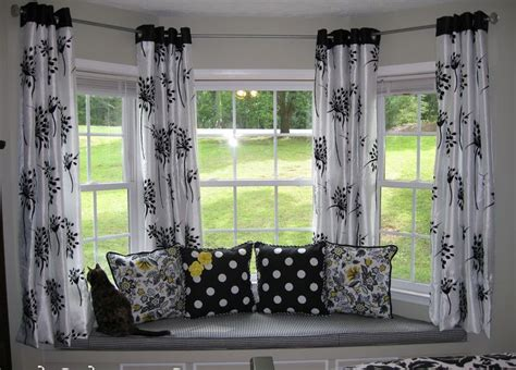 curtain ideas for bow windows 17 best ideas about bow window curtains on bay