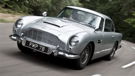 aston martin db5 bond top gear drives bond s aston db5