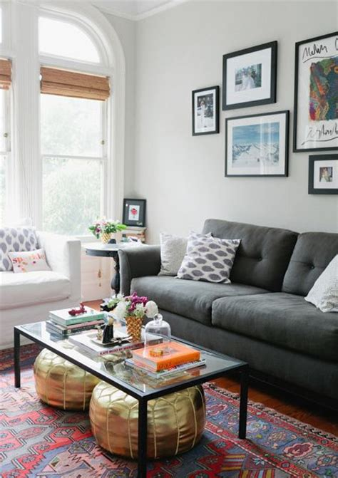 what colour rug with grey sofa what color rug goes with a grey couch roselawnlutheran