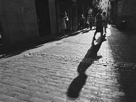 fotos en blanco y negro con algo de color retocando en blanco y negro una fotograf 237 a callejera