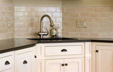 kitchen backsplash ideas with cream cabinets cream kitchen backsplash ideas image of decorative kitchen