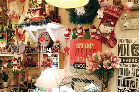 Aksesoris Natal Lonceng Kecil is coming to scoop