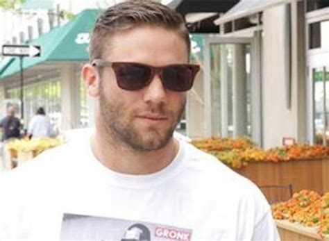 julian edelman haircut julian edelman wears hilarious t shirt of one news page