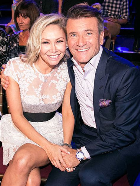 robert herjavec and kym johnson talk dating rumors are jennie garth talks dancing with the stars skin care and