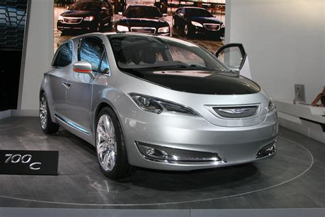 New Chrysler Minivan by 2017 Chrysler Minivan Interior Revealed 187 Autoguide News