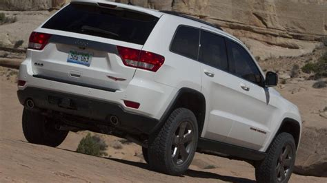 jeep trailhawk 2013 2013 jeep grand cherokee trailhawk review notes autoweek