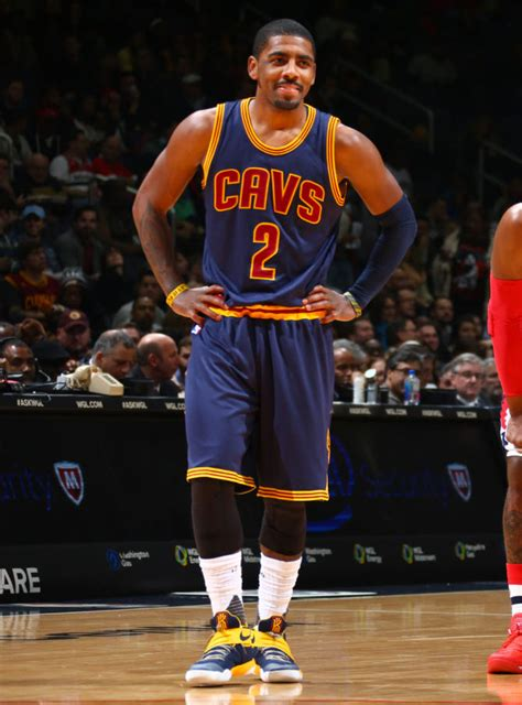 Kyrie Irving 2 solewatch kyrie irving bests wall in new nike kyrie 2 pe