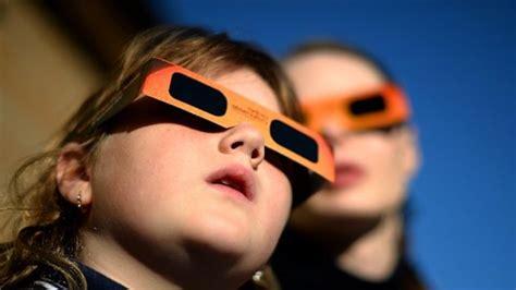 Kaca Mata Gerhana amankah melihat gerhana matahari total 103 5