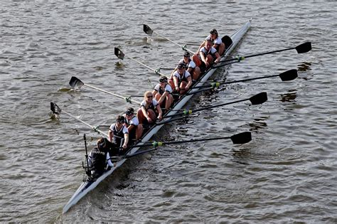 new year boat races 2016 oxford vs cambridge boat race your guide to the 2016