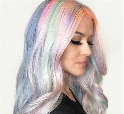 colour changing hair dye exists and it s incredible