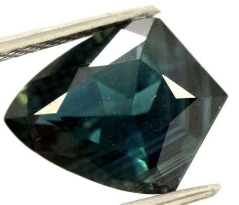 Sapphire 656 Cts australian faceted sapphires 2 8 cts db gc
