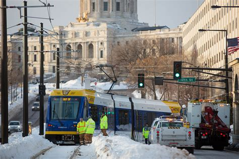 Minneapolis Light Rail Green Line by Green Line Derails Near Capitol The Cities