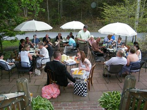 reception picture of the cabin cafe gatlinburg