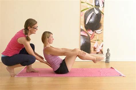 imagenes tantra yoga flowers by the pool fotograf 237 a de la cris 225 lida retreats
