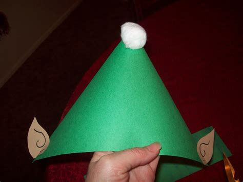 easy fast  cheap holiday craft  elf hat fun