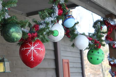 outdoor christmas ornaments do it myselff hand made outdoor ornaments tutorial