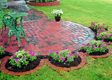 triyae easy small backyard landscaping ideas