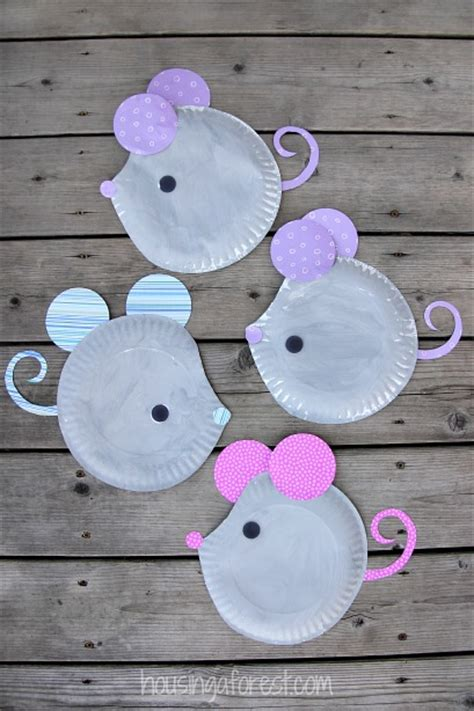 Easy Paper Plate Crafts - paper plate mouse craft housing a forest