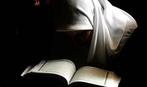 hukum membuat novel hukum memeggang mendengar dan membaca al qur an bagi