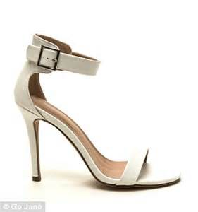 Sandal Wedges Import Premium Wine Rw75 budget friendly look a like shoes from oscars carpet daily mail