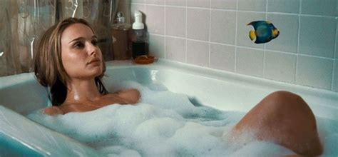 hot tub time machine bathroom scene to da loos celebs in tubs natalie portman