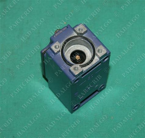 Schneider Telemecanique Limit Switch Xcj125 telemecanique xckj2 limit switch schneider square d