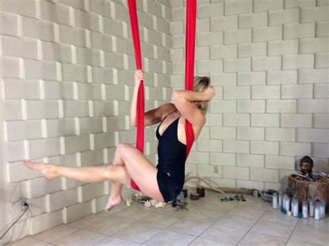 yoga trapeze tutorial pin by stephanye evans on aerial yoga and dance pinterest