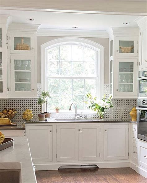 kitchen window design 25 best ideas about kitchen sink window on pinterest