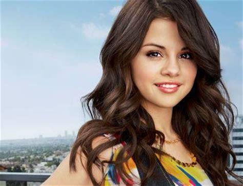the best singer in the world world s best acter singer selena gomez selena gomez