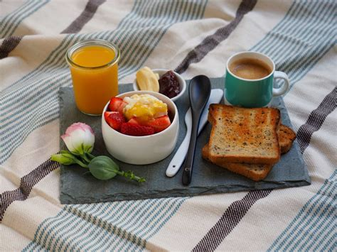 Breakfast In Bed how to make breakfast in bed smaggle