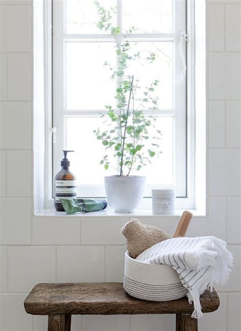 decorating bathroom windows 25 best ideas about window sill decor on pinterest