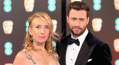 aaron taylor johnson sam aaron taylor johnson opens up about his age gap from wife