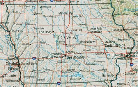 detailed map of iowa iowa geography and maps