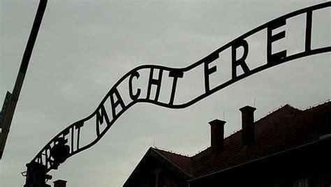 testo lettera guccini frasi su auschwitz per non dimenticare quanto accaduto