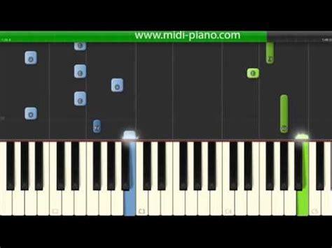 tutorial piano eminem how to play eminem ft rihanna the monster piano