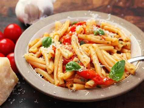 pasta recepies fast and easy pasta with blistered cherry tomato sauce