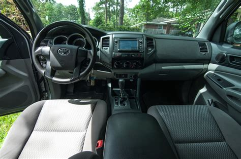2014 Toyota Tacoma Interior by 2014 Toyota Tacoma Pictures Cargurus