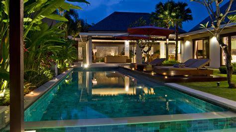 rent villa  chandra complex  bedrooms sleeps