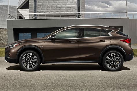 infinity side 2017 infiniti qx30 luxury crossover debuts at l a auto show
