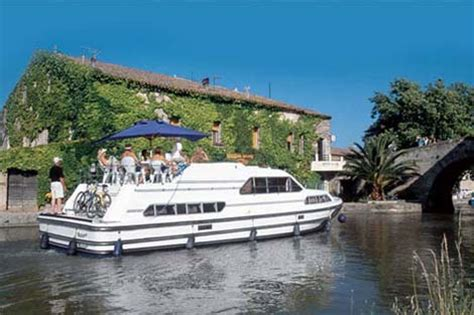 canal boat rental france review boat hire on the canal du midi france boating holidays