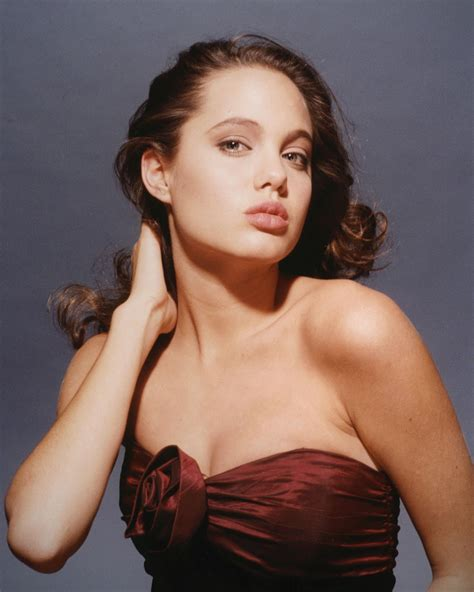 angelina jolie young celebrity photo gallery young angelina jolie photos
