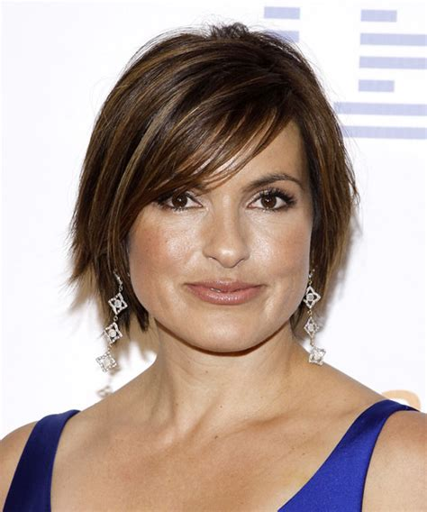 mariska hargitay short hairstyles front and back views mariska hargitay short straight casual hairstyle with side