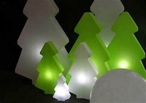 designer weihnachtsbaum lightree beleuchteter weihnachtsbaum slide design