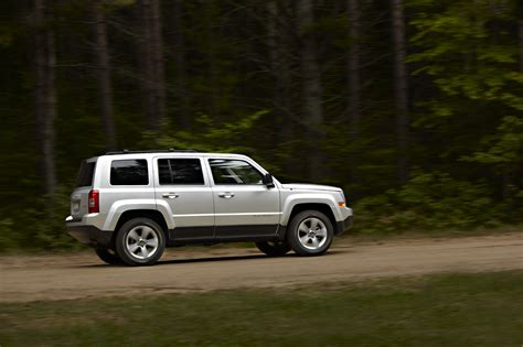 patriot jeep 2011 refreshed 2011 jeep patriot 171 road reality